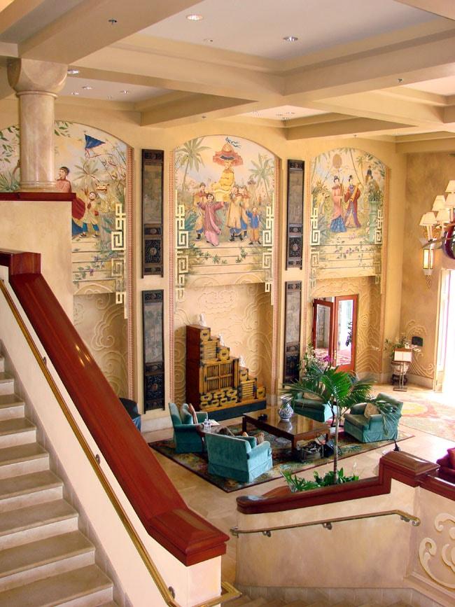 Interior decor of the Four Seasons Resort Lanai Photo by M. Maxine George