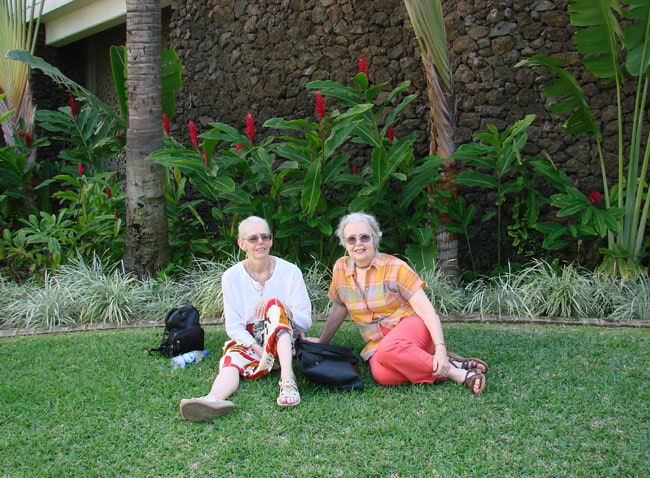 Cathy and Maxine resting on Wailea Beach Resort Marriot, Maui after Cathy suffered chest pain