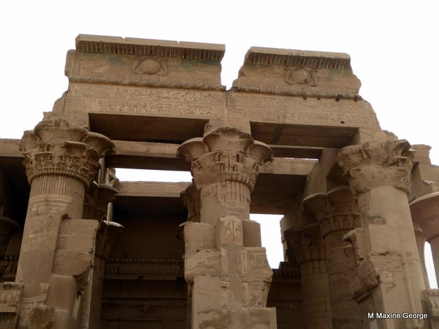 Note the fancy capitals on the columns kom ombo