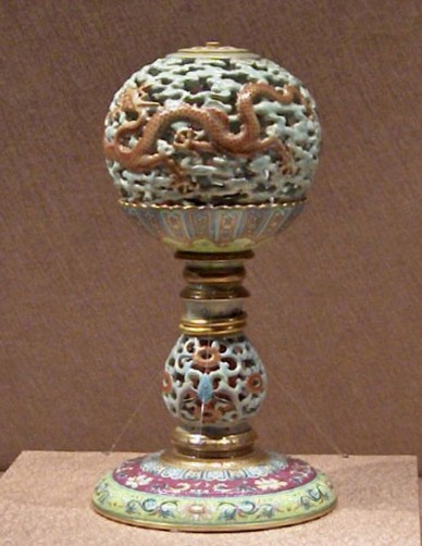 Porcellin hat stand in The National Palace Museum, Tiapei,
