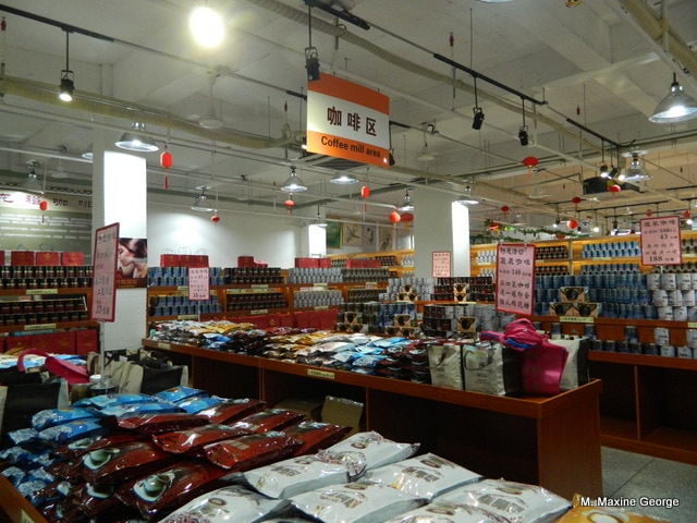 Visiting a Tulou in Yongding China shopping in food market