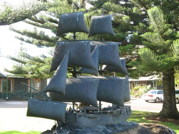 Bronze memorial to The Bounty. Photo courtesy of Barry and Heather Minton